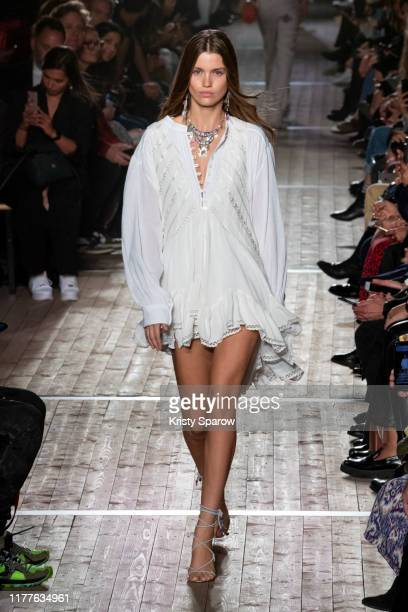 Luna Bijl walks the runway during the Isabel Marant Womenswear Spring/Summer 2020 show as part of Paris Fashion Week on September 26, 2019 in Paris,...
