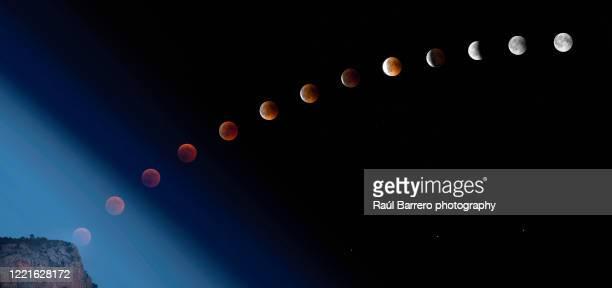 lunar eclipse july 2018 sequence - continuidade imagens e fotografias de stock