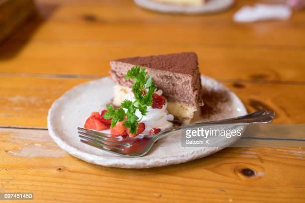 ランチのケーキはテーブルの上