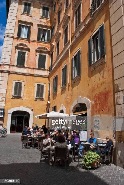 Lunchtime in the Centro Storico.