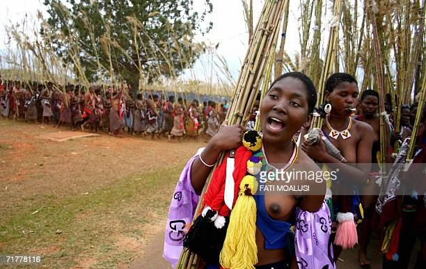 Swazi woman sing and dance 03 September 2006 during the annual Reed Dance at Lundzidzini Royal Residence SwazilandSwaziland is the last absolute...