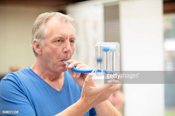 lung function test by using triflow - copd stock photos and pictures