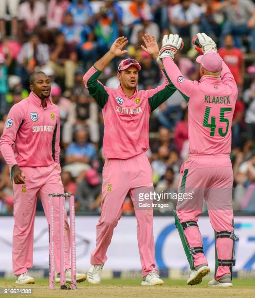 Lungi Ngidi of South Africa celebrates with teammates during the 4th Momentum ODI match between South Africa and India at Bidvest Wanderers on...