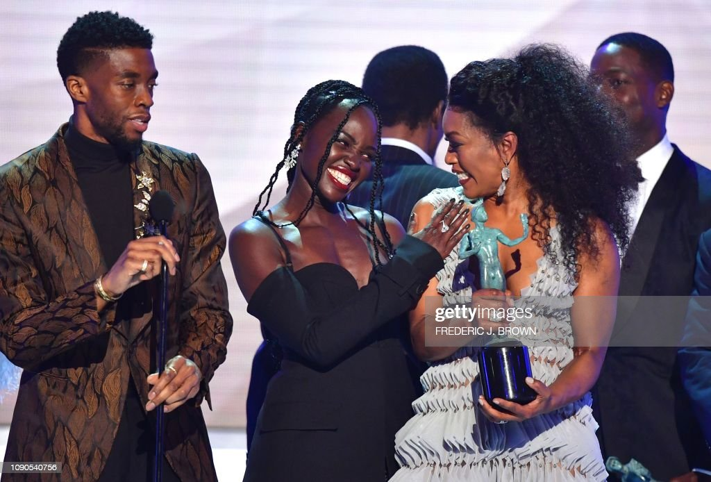 Lupita Nyong O Angela Bassett Chadwick Boseman And The Cast Of News Photo Getty Images
