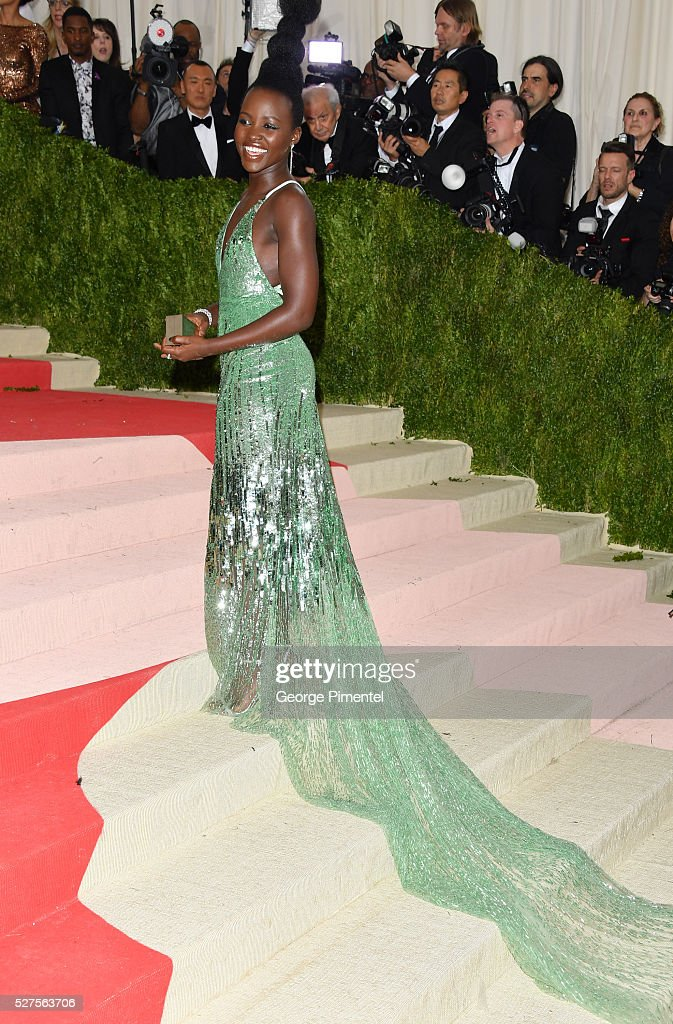 Lupita Nyong'o attends the 'Manus x Machina: Fashion in an Age of Technology' Costume Institute Gala at the Metropolitan Museum of Art on May 2, 2016 in New York City.