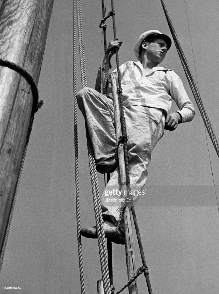 Luserke, Dieter - Germany*1918-2005+- on board the ship ' Krake '- son of writer Martin Luserke - Photographer: Lothar Ruebelt- Published by: 'Die Dame' 24/1935Vintage property of ullstein bild : Nachrichtenfoto