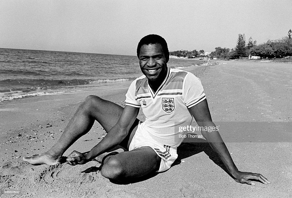 Luther Blissett of Watford and England relaxes on the beach near Brisbane during the England Soccer Tour of Australia on 16th June 1983. (Photo by Bob Thomas/Getty Images).