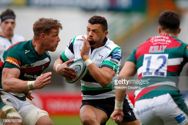 Luther Burrell of Newcastle Falcons runs with the ball during the Gallagher Premiership Rugby match between Leicester Tigers and Newcastle Falcons at...