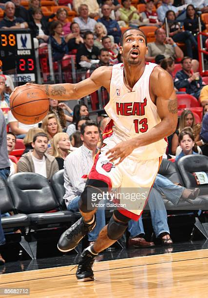Luther Head of the Miami Heat drives against the Milwaukee Bucks on March 28 2009 at the American Airlines Arena in Miami Florida NOTE TO USER User...