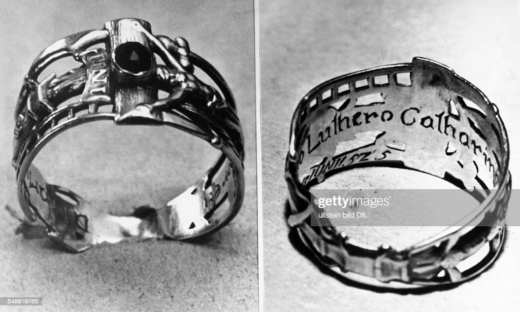 Martin Luther wedding ring Pictures Getty Images