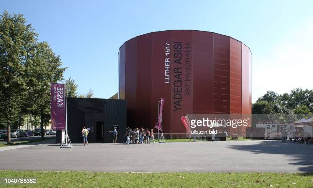 Lutherstadt Wittenberg Gedenktafel an den Generalstreik der Frauen Wittenbergs am 4Mai 1987 am Asisi Panorama / kunstwerk der Künstlerin Luise...