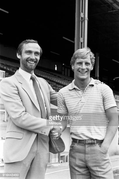Luton new signing Paul Walsh with chairman 19th July 1982