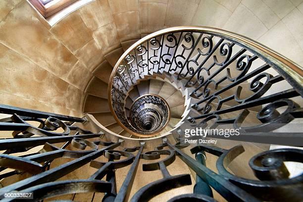 lutyens staircase - ferro foto e immagini stock