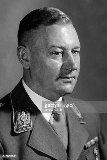 Lutze Viktor Officer SAcommander Germany*28121890Portrait in uniform 1938 Photographer PresseIllustrationen Heinrich Hoffmann Published by 'BZ'...
