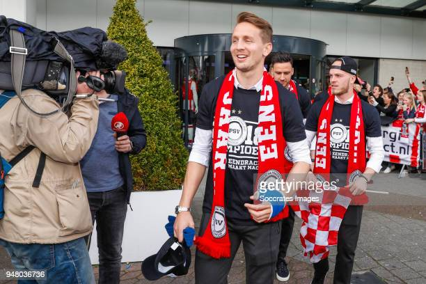 Luuk de Jong of PSV Jorrit Hendrix of PSV Celebrate the championship during the PSV champions parade at the City of Eindhoven on April 16 2018 in...