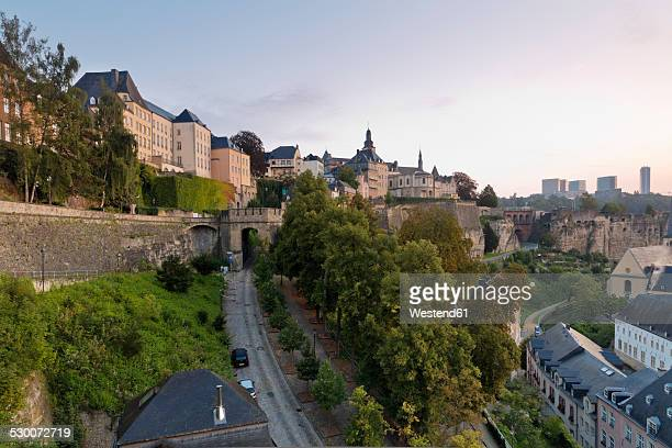 Luxembourg, Luxembourg City, View from Corniche to the city district Grund, old town district and Kirchberg in the background right, morning light