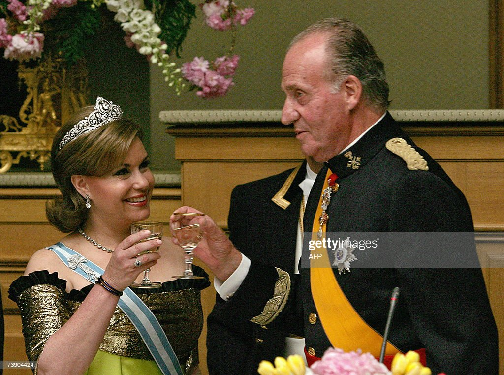 King Juan Carlos of Spain (R) toasts with Grand Duchess Maria Teresa of Luxembourg 16 April 2007 at the Lower house of the Parliament prior a dinner with Grand Duke Henri and Queen Sofia, in Luxembourg. Juan Carlos and Sofia are on a official visit in Luxembourg.