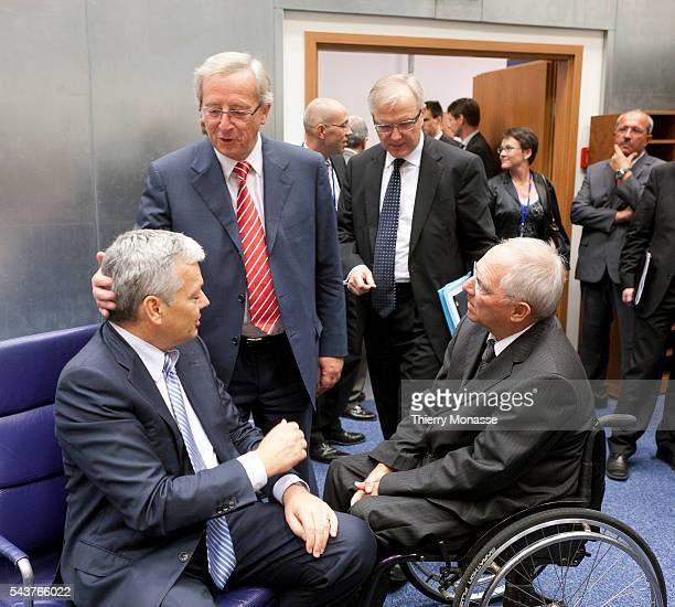 Luxembourg October 3 2011 President of Eurogroup and Prime Minister of Luxembourg JeanClaude Juncker talks with Belgian Minister of Finance and...