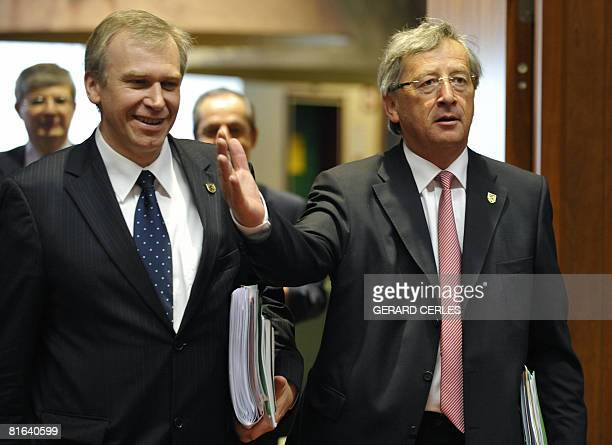 Luxembourg's Prime Minister JeanClaude Juncker and Belgium's Prime Minsiter Yves Leterme arrive for a working session on a second day of a European...