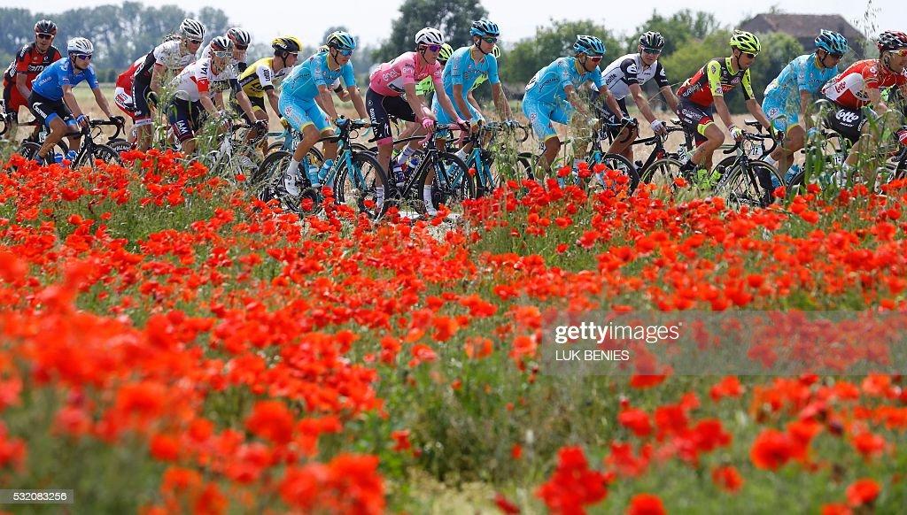 TOPSHOT-CYCLING-ITA-GIRO : News Photo