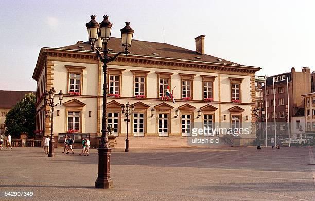 Luxemburg Luxemburg das 'Hotel du Ville' das Rathaus von LuxembourgStadt