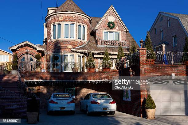 luxury brooklyn house, new york. clear blue sky - dyker heights stock pictures, royalty-free photos & images