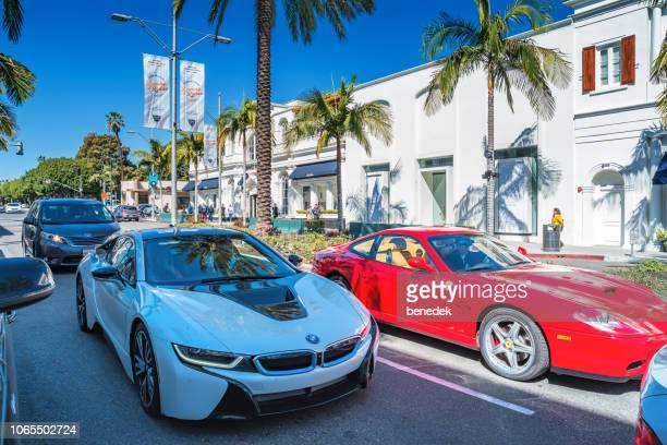 ビバリーヒルズ ロサンゼルス カリフォルニア米国のロデオ ドライブの高級車 - bmw ストックフォトと画像