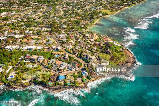 luxury coastal hawaiian neighborhood - oahu stock pictures, royalty-free photos & images