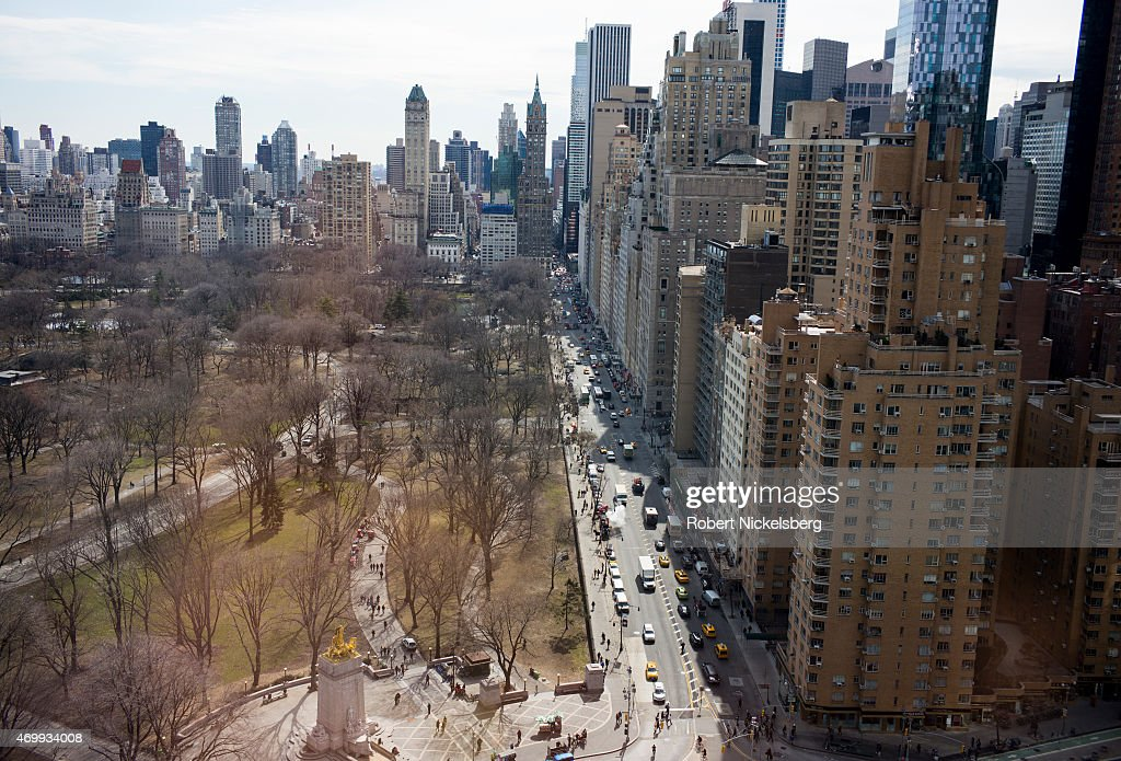 Luxury High-Rise Real Estate Across New York's Central Park South : Nachrichtenfoto