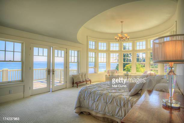 luxury home and garden on bainbridge island, washi - bainbridge island stock pictures, royalty-free photos & images