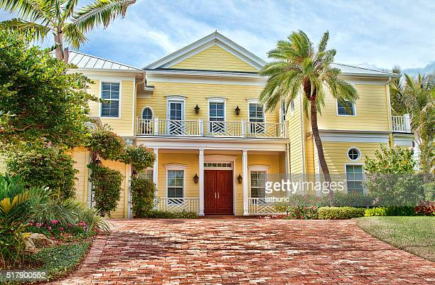 luxury  house , venice, florida. blue sky. - florida landscaping stock pictures, royalty-free photos & images