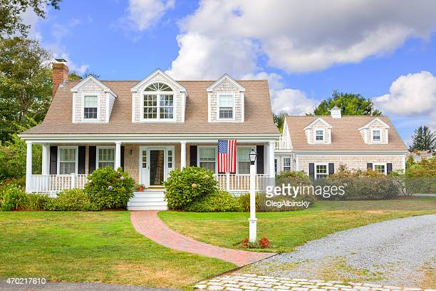 luxury new england house, chatham, cape cod, massachusetts. blue sky. - new england usa stock pictures, royalty-free photos & images