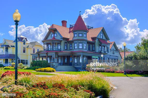 luxury new england house, oak bluffs, martha's vineyard, massachusetts, usa. - marthas vineyard stock pictures, royalty-free photos & images