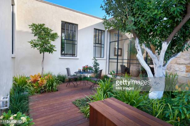 luxury patio - patio stock pictures, royalty-free photos & images