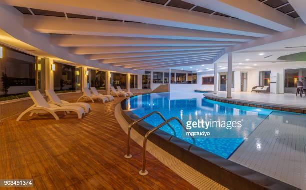 高級リゾート屋内スイミング プール