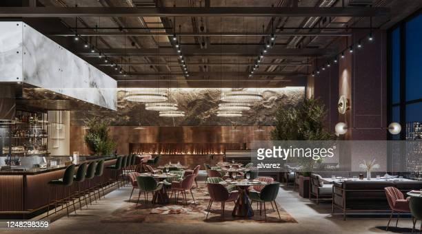 intérieur de restaurant de luxe la nuit - restaurant photos et images de collection