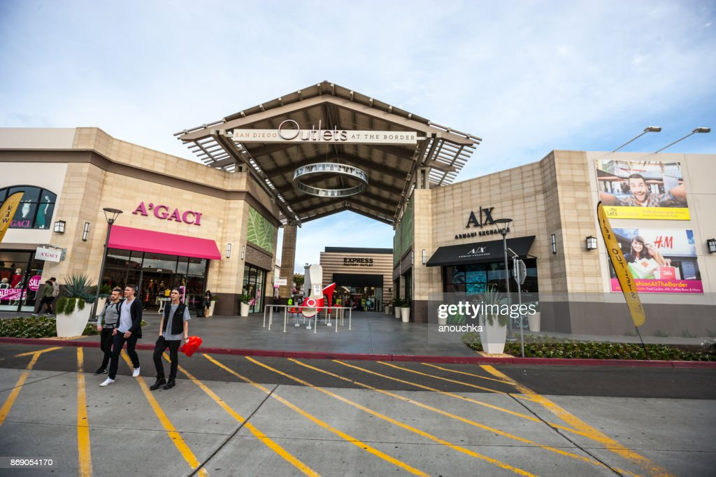 Luxus-Shops und Outlets in Las Americas-Shopping-Mall, San Diego, USA : Stock-Foto
