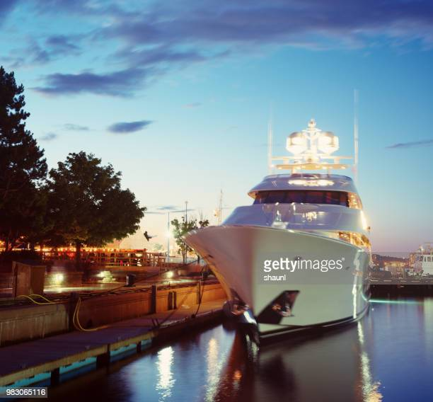 luxury yacht - luxury yacht stock pictures, royalty-free photos & images
