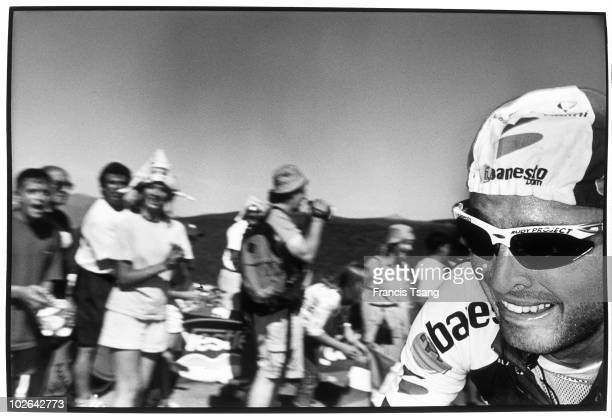 Luz Ardiden. France The France Tour celebrates its centenary Francisco Mancebo, member of the Banesto team, next to the finish line in Luz Ardiden.