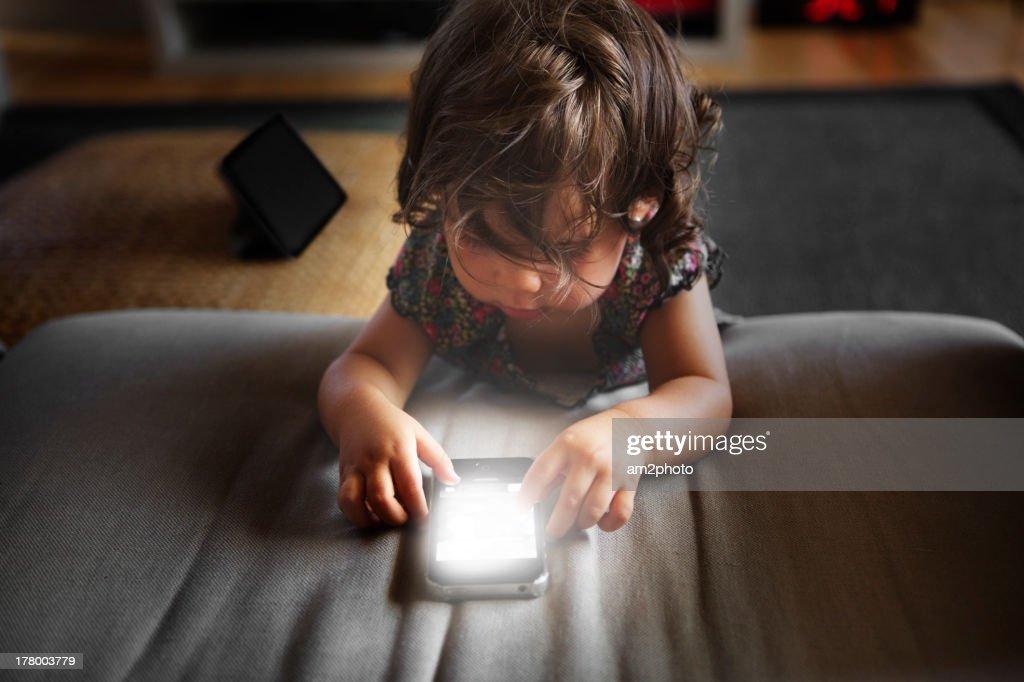 Luz blanca en el smartphone : Stock Photo