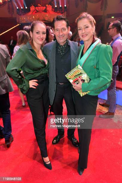 Luzie Seitz Max Tidof and Lisa Seitz attend the premiere of the Circus Krone new winter program on December 25 2019 in Munich Germany