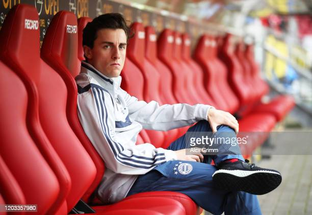 Álvaro Odriozola of FC Bayern Muenchen looks on during the Bundesliga match between 1 FSV Mainz 05 and FC Bayern Muenchen at Opel Arena on February...