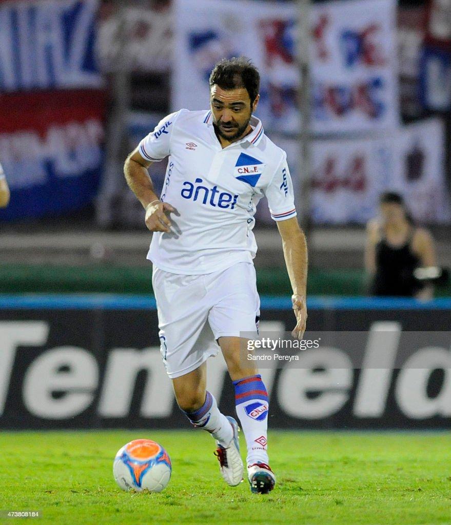 Peñarol v Nacional - Torneo Clausura 2015 : News Photo