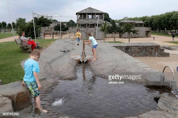 LVRArchäologische Park in Xanten Der große Wasserspielplatz Mit Kanälen Pumpen Rinnen und Schleusen lässt sich dort herrlich spielen und ganz...