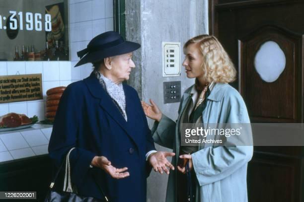 Löwengrube Fernsehserie Deutschland 1989 1992 Familienserie Kriminalserie Darsteller Franziska Stömmer Marita Marschall