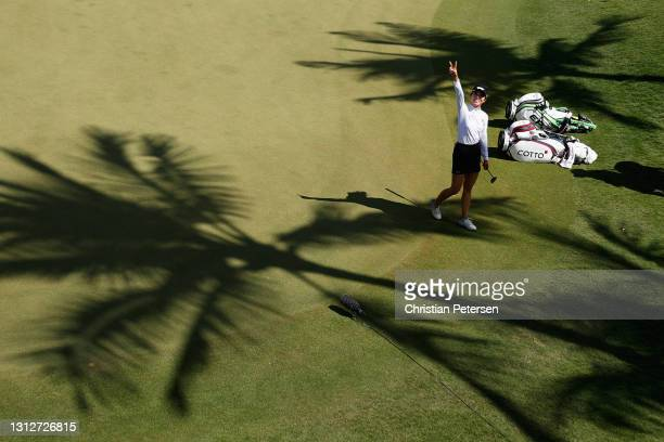 Lydia Ko of New Zealand waves as she walks off the 16th green during the second round of the LPGA LOTTE Championship at Kapolei Golf Club on April...