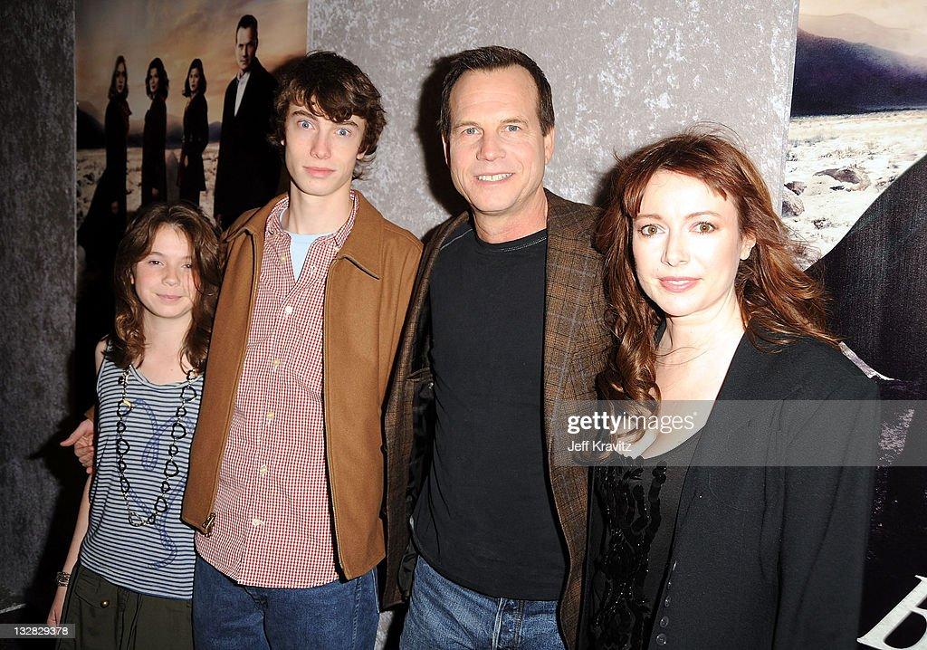 "HBO's ""Big Love"" Season 5 Premiere - Red Carpet : News Photo"