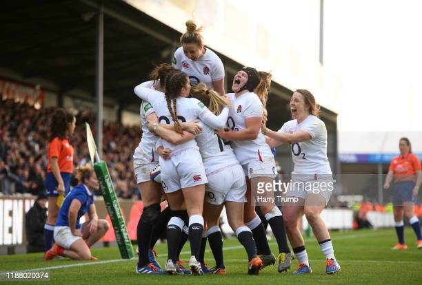 Lydia Thompson of England Women celebrates after scoring her sides first try during the Quilter International match between England Women and France...