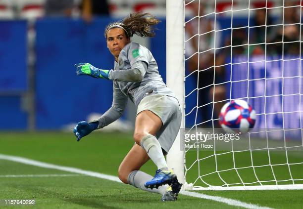 Lydia Williams of Australia fails to save as Guro Reiten of Norway scores Norway's second penalty in the penalty shoot out during the 2019 FIFA...