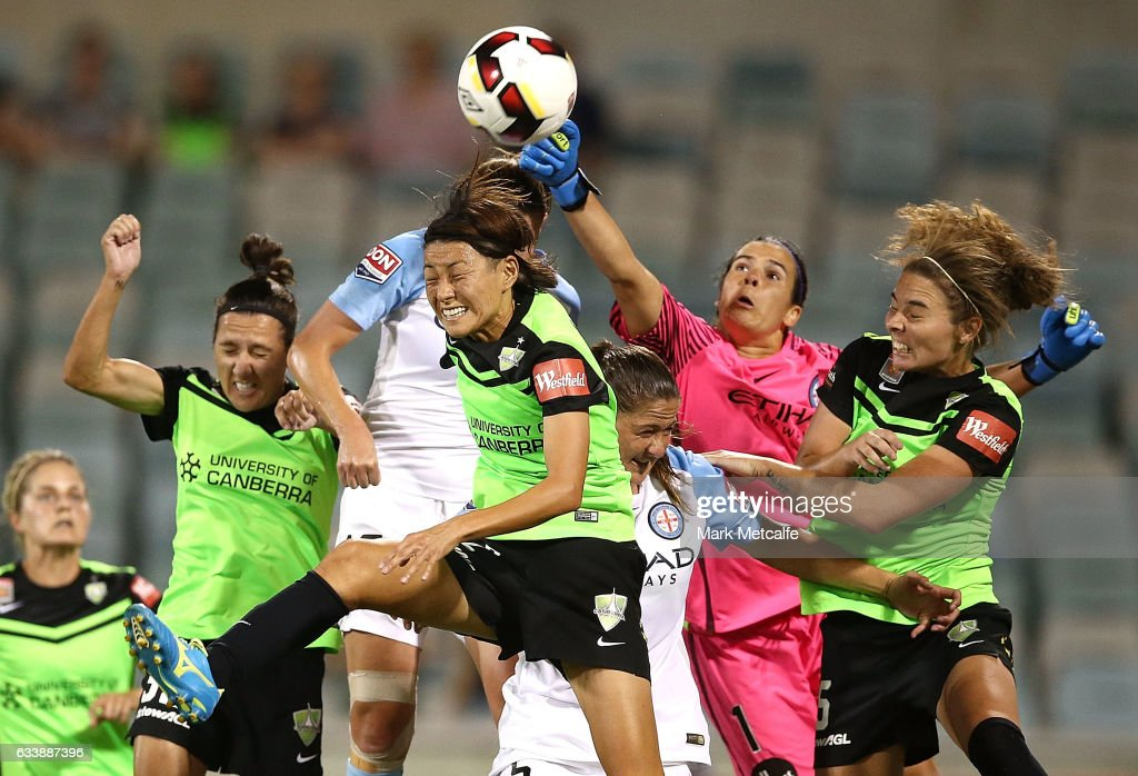 Lydia Williams of Melbourne City punches a cross clear during the W-League Semi Final match between Canberra United and Melbourne City FC at GIO Stadium on February 5, 2017 in Canberra, Australia.
